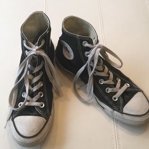 Boys or men Black converse sneakers